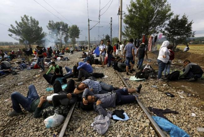 Makedonya sınırındaki Suriyelilerin çilesi