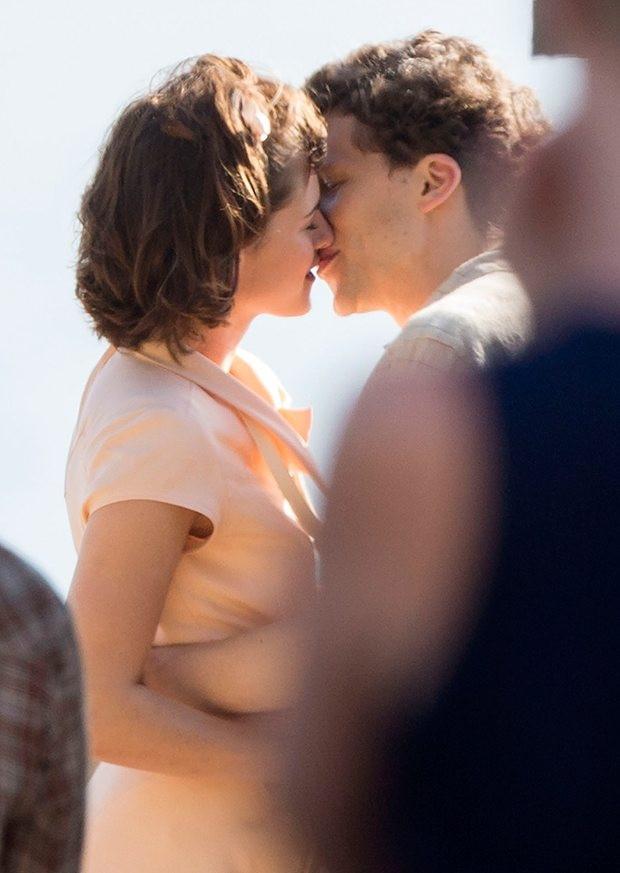 Kristen Stewart ve Jesse Eisenberg bir kez daha sette buluştu