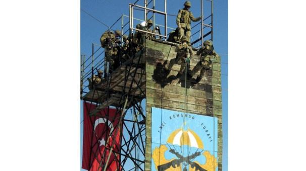 2 altın madalyalı komando Güneydoğu'da...