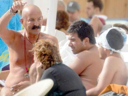 Cemil İpekçi erkek arkadaşıyla yakalandı
