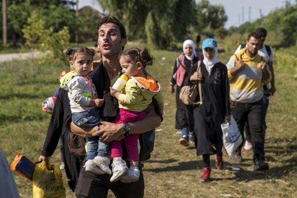 Macaristan'da mülteciler kamptan firar etti