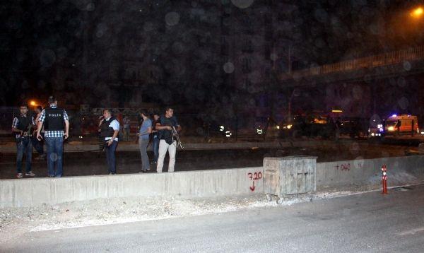 PKK'lılar çevik kuvvet midibüsüne roketatarla saldırdı