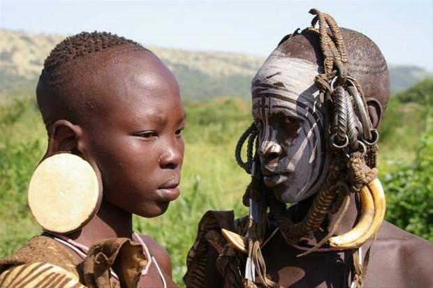 Dünyadaki kabilelerin ilginç gelenekleri
