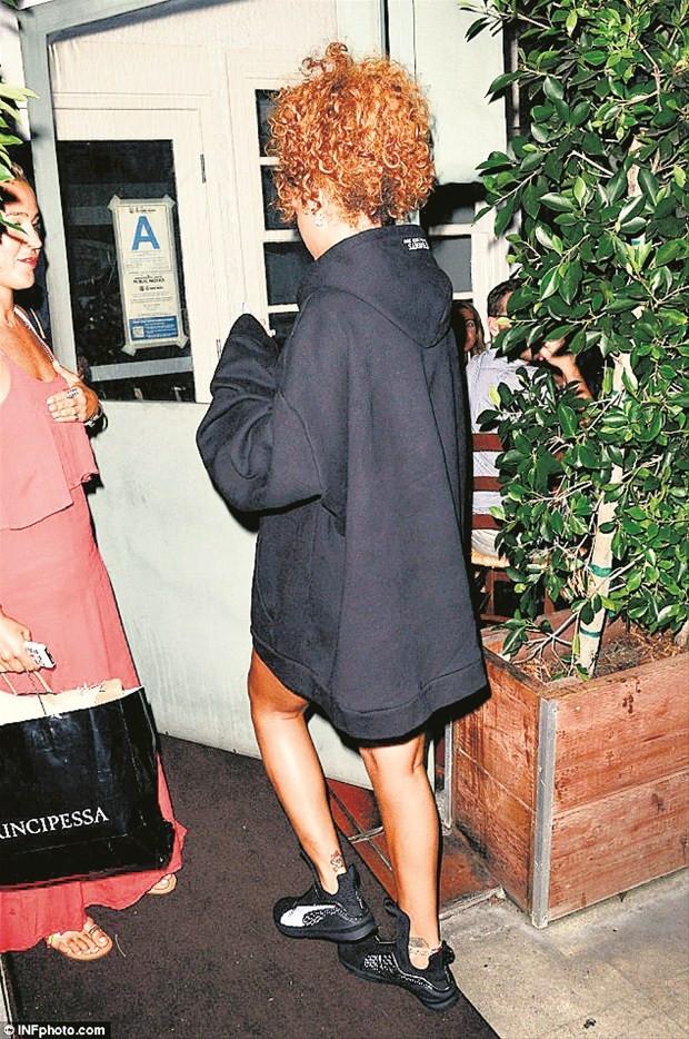 Rihanna'nın son saç stili