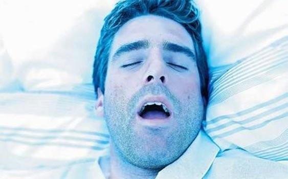 Ağzı açık uyuyanlar dikkat!