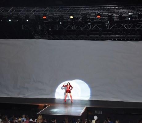 Gülşen Harbiye açıkhava konserinde çoştu