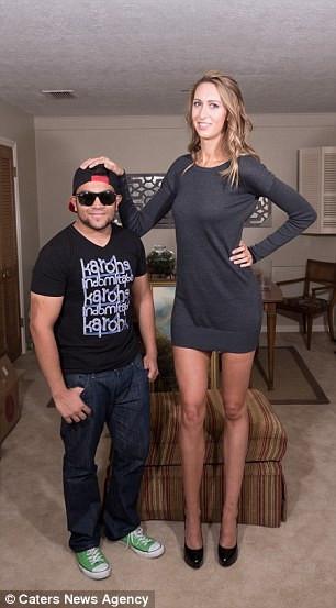 En uzun bacaklı kadın!