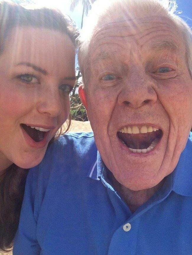Selfie çekmenin yaşı yok