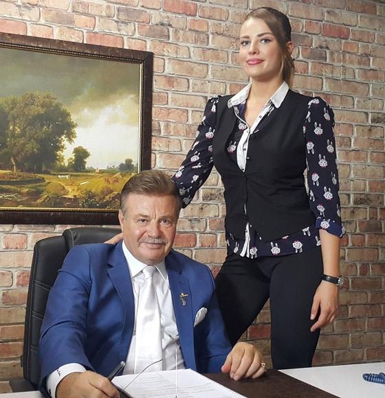 Esra'nın partneri Nuri Alço!