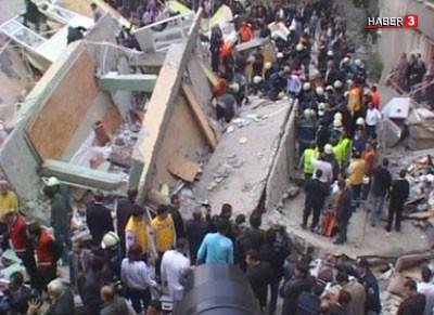 İstanbulda apartman çöktü