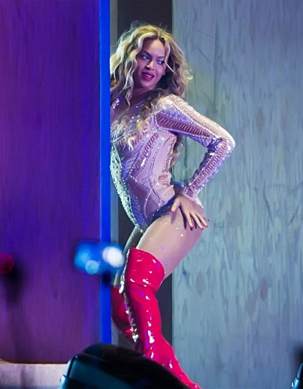 Beyonce hem göze hem kulağa hitap etti