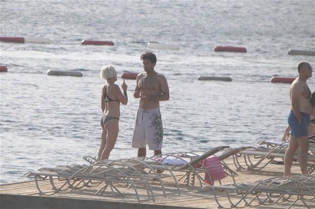 Billur Kalkavan genç sevgilisiyle görüntülendi