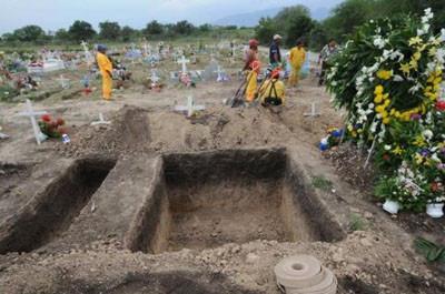 Yarım tonluk adamın mezarı