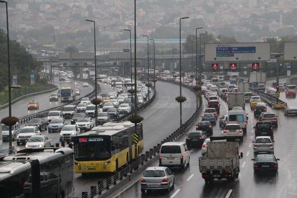 Yağmur İstanbul'u felç etti