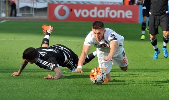 Beşiktaş-Başakşehir maçında önemli kareler