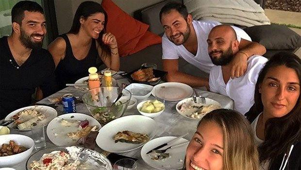 Arda Turan ve Aslıhan Doğan misafirlerini ağırlamaya devam ediyor