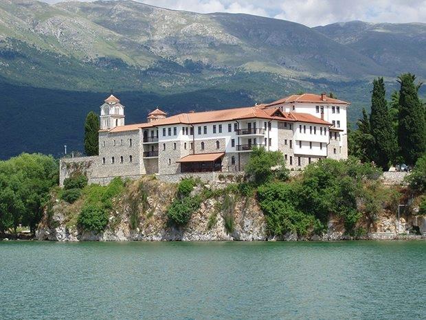 Avrupa'da göl kenarında 270 TL'nin altında konaklama