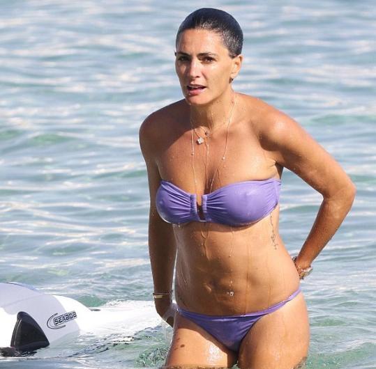 Jessica Lemarie çıplak yüzdü