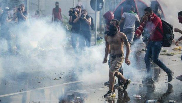 BM: Mültecilere polis müdahalesi şoke edici