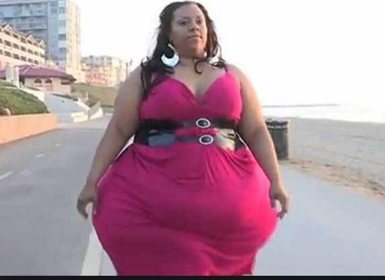 Dünyanın en büyük kalçalı kadını