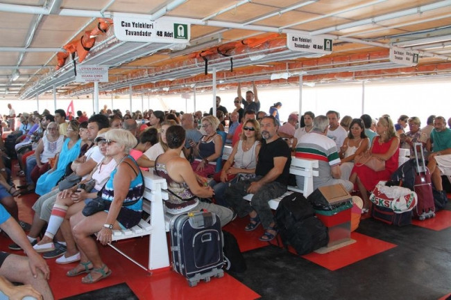 Yunanistan'ın Midilli Adası'na Türk akını