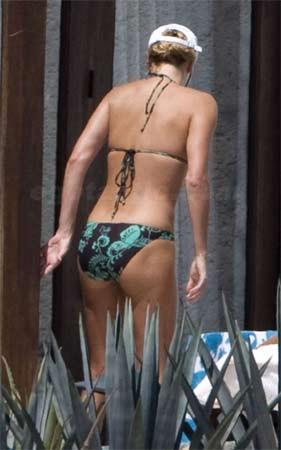 Charlize Theron bu kez kaçamadı
