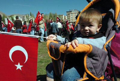 Aktütünde PKKya lanet mitingi