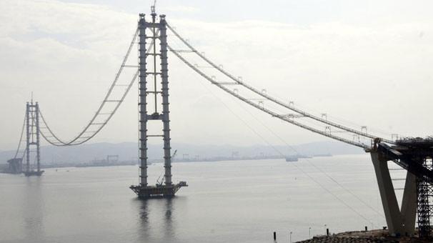 Körfez Köprüsü'nde bayramdan sonra ana kablolar çekilecek