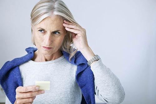 Alzheimer'ın 10 belirtisi ve tedavi yöntemleri