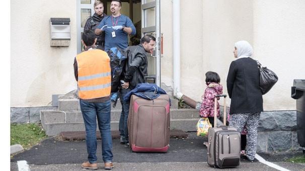 """Sığınmacılar """"bu ülke çok sıkıcı"""" deyip..."""