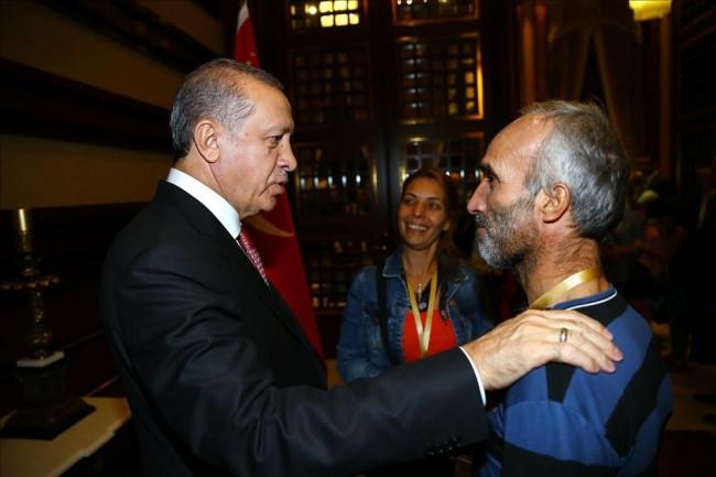 Cumhurbaşkanı işçileri kabul etti