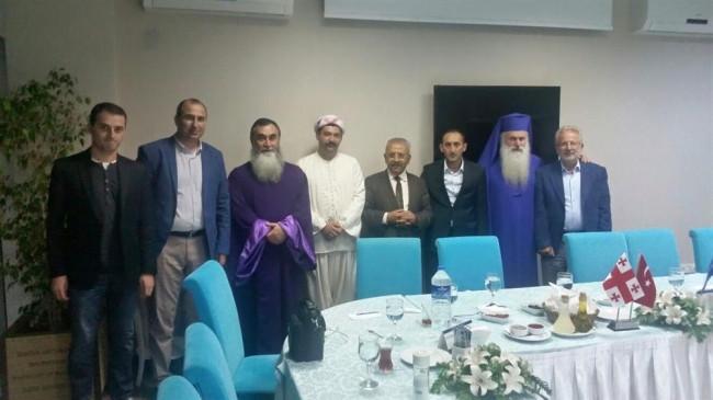 Başpiskopos Bursa'da cuma namazı kıldı