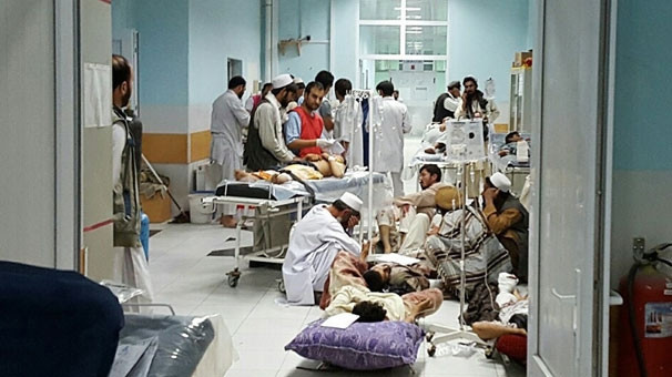 Hastaneyi yarım saat boyunca bombaladılar