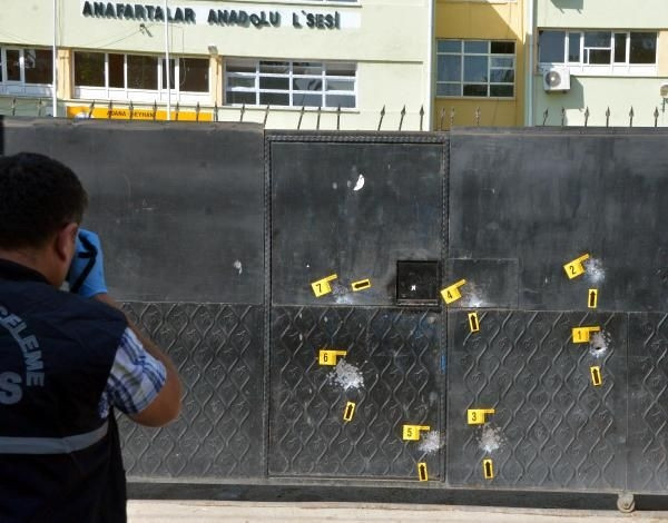 Liseye silahlı saldırı