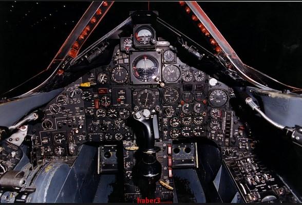 Lockheed SR-71'i vuracak uçak yok