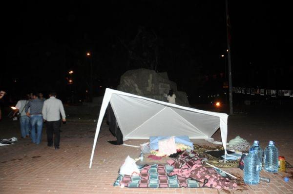 'Barış için evet' çadırına polis müdahalesi!