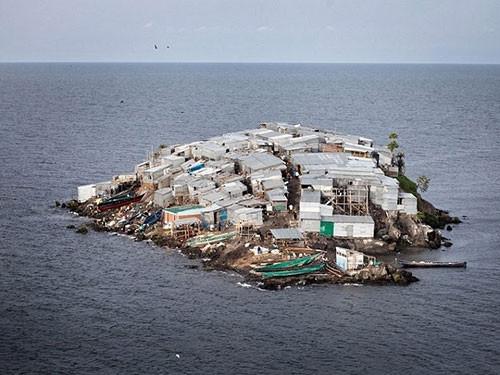 Dünyanın en kalabalık adası