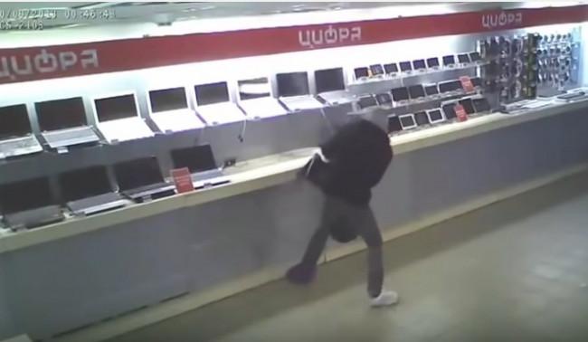 Dünyanın en aptal hırsızlarını gördünüz mü?