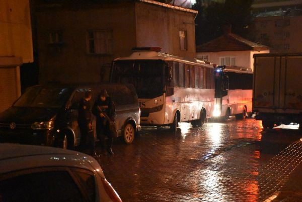 İstanbul'da şafak operasyonu!