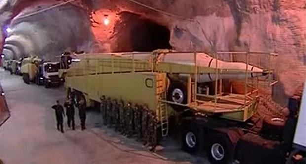 İran yeraltı füze tünellerinin görüntülerini yayınladı