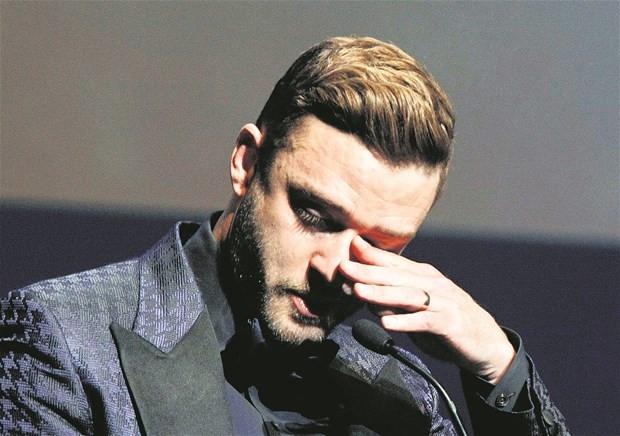 Justin Timberlake gözyaşlarını tutamadı