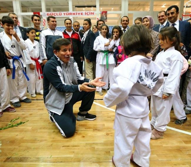 Başbakan Davutoğlu'nun en renkli anları!