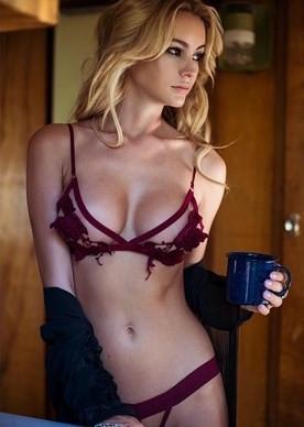 Instagram'da En Güzel Göğüslere Sahip 10 kadın