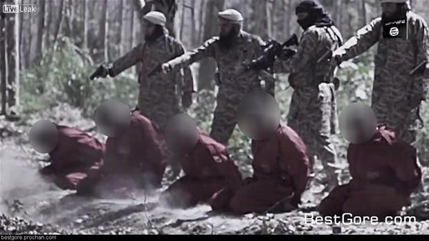 IŞİD korkunç bir katliam videosu daha yayınladı