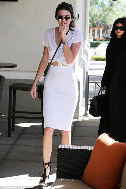 Kardashian'ın 35. yaş gününden olay fotoğraflar