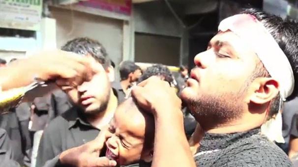 Bebeklerin kafalarını bıçakla kestiler