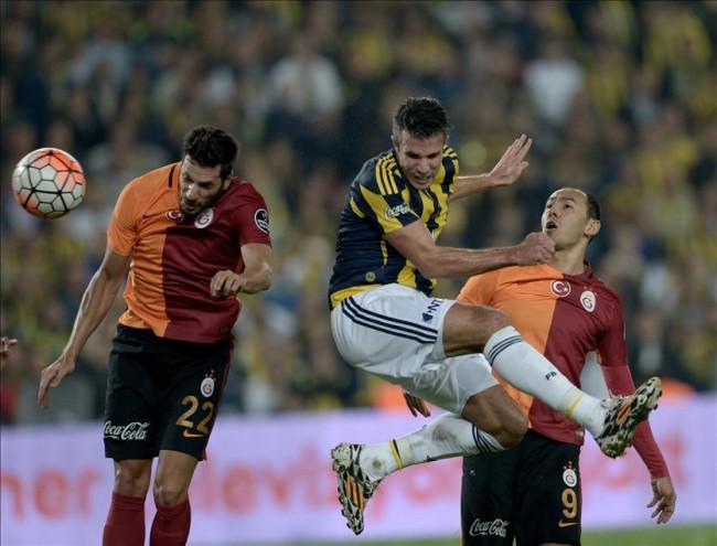 Fenerbahçe-Galatasaray maçından önemli kareler