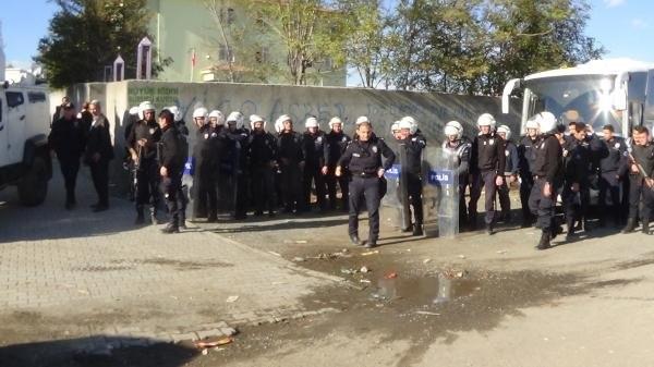 AK Parti'nin milletvekili adayına saldırı !