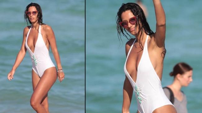 Raffaella Modugno tatilin keyfini çıkarıyor