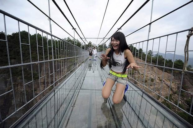 Bu köprüden geçmek yürek ister!